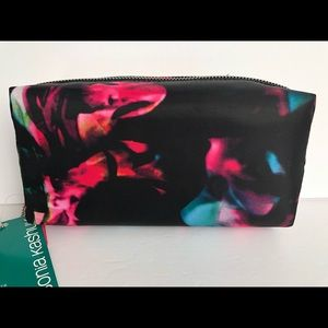 🌎🌎Sonia Kashuk Cosmetic Pouch NWT